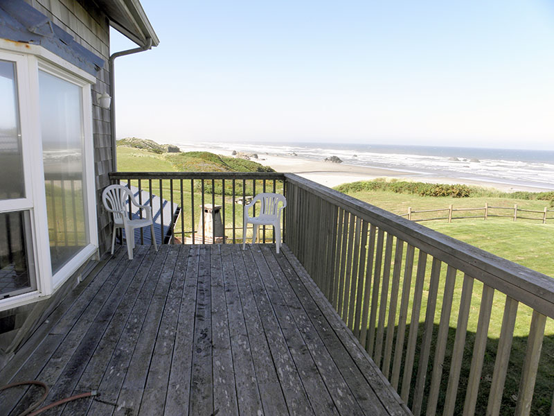 Avanti beach house vacation rental bandon oregon coast for Balcony 2nd floor